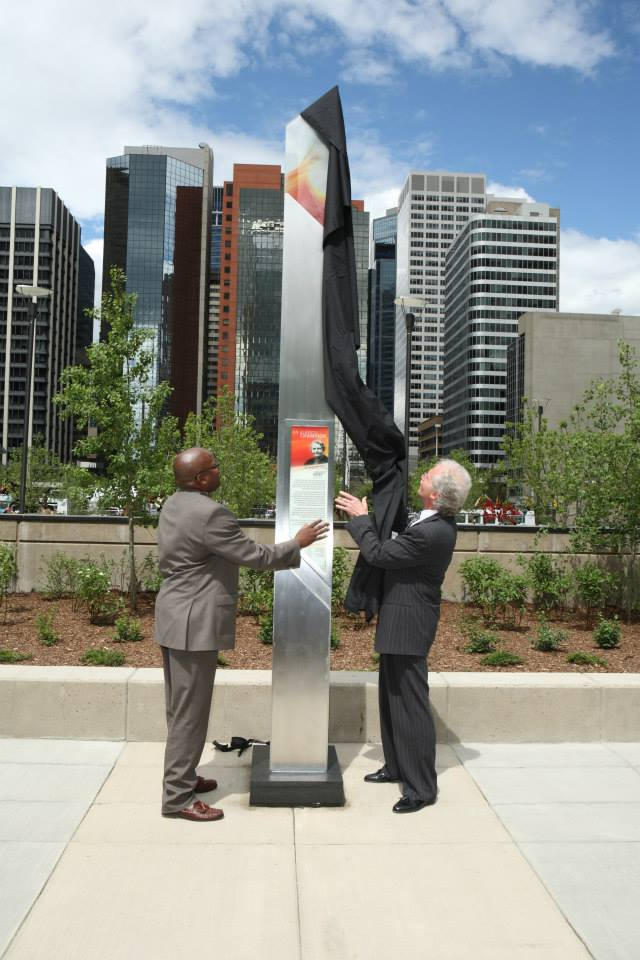 President Gordon Hoffman And Honourable Lindsay Blackett By Senator Lougheed's Monument2
